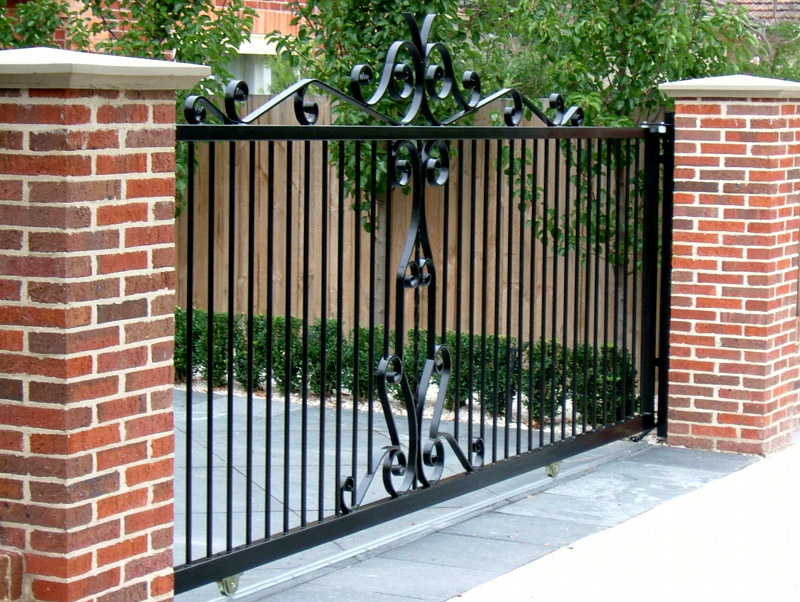 Htm homescapes your fencing specialists - Sliding main gate design for home ...